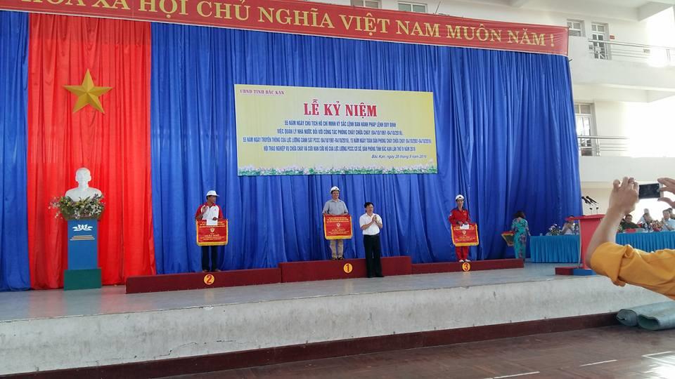 Giải 3 nội dung 4x 100m hội thao PCCC tỉnh Bắc Kạn